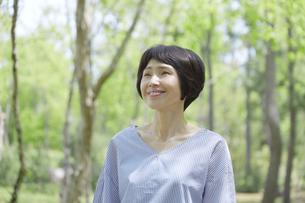 日本人女性の写真素材 [FYI04758150]