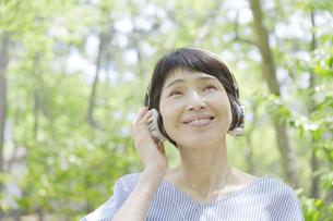 日本人女性の写真素材 [FYI04758181]