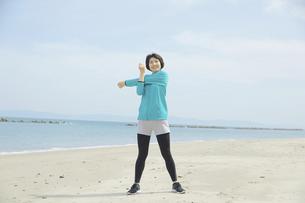 日本人女性の写真素材 [FYI04758256]