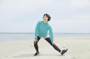 日本人女性の写真素材 [FYI04758262]