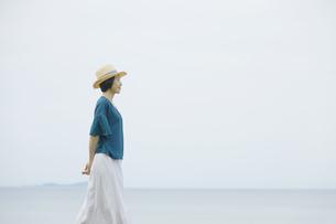 日本人女性の写真素材 [FYI04758287]