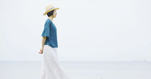 日本人女性の写真素材 [FYI04758288]