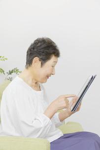 日本人シニア女性の写真素材 [FYI04758800]