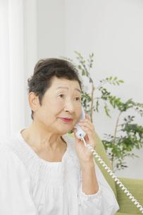 日本人シニア女性の写真素材 [FYI04758824]