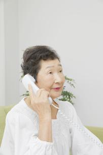 日本人シニア女性の写真素材 [FYI04758827]