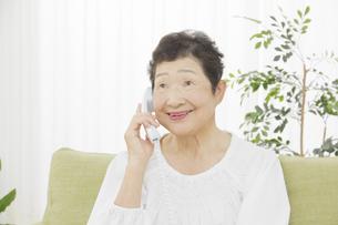 日本人シニア女性の写真素材 [FYI04758830]