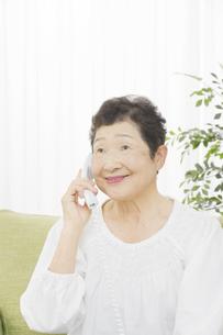 日本人シニア女性の写真素材 [FYI04758831]