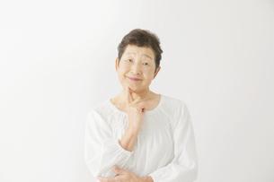 日本人シニア女性の写真素材 [FYI04758871]