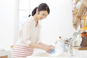 日本人女性の写真素材 [FYI04759037]