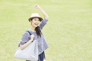 日本人女性の写真素材 [FYI04759234]
