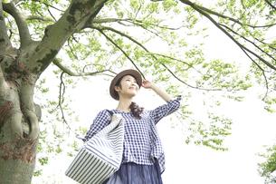 日本人女性の写真素材 [FYI04759239]