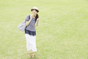 日本人女性の写真素材 [FYI04759314]