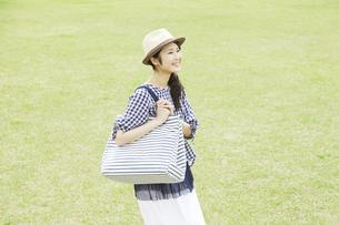 日本人女性の写真素材 [FYI04759315]