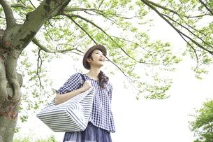 日本人女性の写真素材 [FYI04759317]