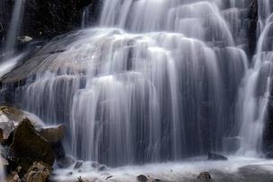 仏御前の滝の写真素材 [FYI04759570]