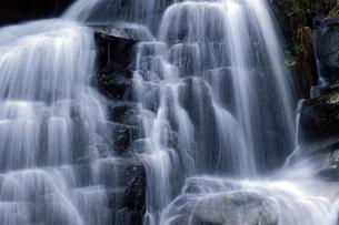 仏御前の滝の写真素材 [FYI04759572]