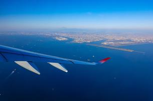 羽田空港から富士山まで一望の写真素材 [FYI04760887]