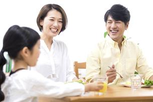 家族の朝食の時間の写真素材 [FYI04761530]