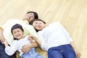 家族のポートレートの写真素材 [FYI04761574]