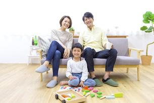 家族のポートレートの写真素材 [FYI04761593]