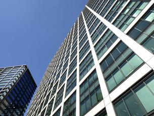 東京都 汐留のオフィスビル街の写真素材 [FYI04761661]