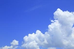 入道雲と青空の写真素材 [FYI04761883]