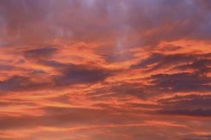 夕焼け雲の写真素材 [FYI04761911]