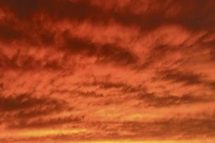 夕焼け雲の写真素材 [FYI04761915]