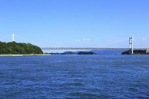 下津井港と瀬戸大橋の写真素材 [FYI04761962]