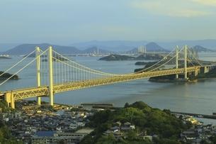 瀬戸大橋 夕景の写真素材 [FYI04761978]