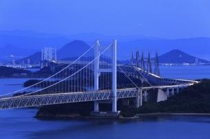 瀬戸大橋 夜景の写真素材 [FYI04761980]