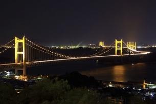 瀬戸大橋 ライトアップの写真素材 [FYI04761988]