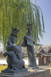 山鹿灯篭娘の像の写真素材 [FYI04762354]