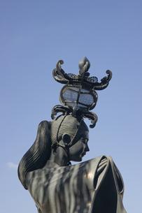 山鹿灯篭娘の像の写真素材 [FYI04762355]