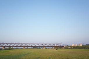 川岸の風景の写真素材 [FYI04762915]