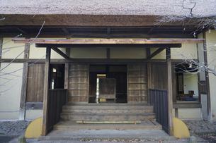 伝統建築の玄関の写真素材 [FYI04762917]