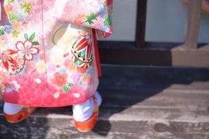 着物姿の女の子の写真素材 [FYI04763341]
