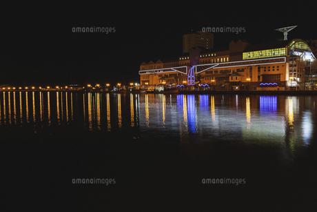 夜の釧路川の写真素材 [FYI04765093]