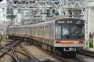大阪メトロの66系普通電車の写真素材 [FYI04765281]