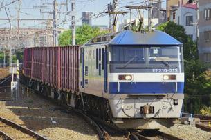 JR神戸線のEF210貨物列車の写真素材 [FYI04765303]