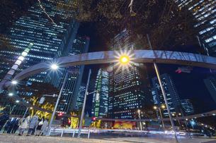 【東京都】西新宿ビジネス街 HDR【2020秋】の写真素材 [FYI04765537]