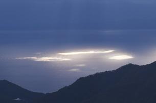 知床半島と国後島の朝の写真素材 [FYI04765808]