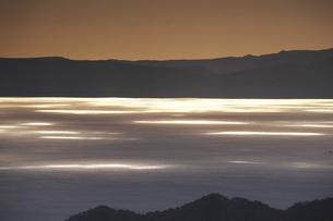 知床半島と国後島の朝の写真素材 [FYI04765818]
