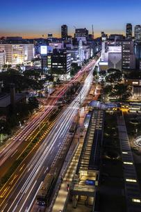 名古屋駅方面を見る錦通夕景の写真素材 [FYI04766714]
