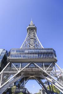 名古屋テレビ塔を見上げるの写真素材 [FYI04766715]