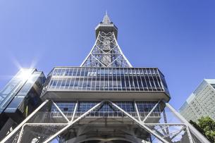 名古屋テレビ塔を見上げるの写真素材 [FYI04766716]