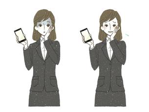 スーツの女性-スマートフォン-ショック-困惑のイラスト素材 [FYI04766780]