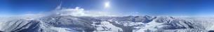 県道34号長野市境付近から望む霧氷の菅平高原の全周パノラマの写真素材 [FYI04767063]