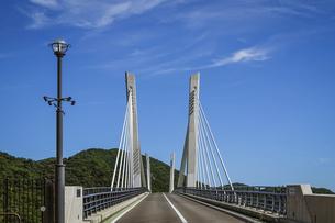 瀬戸内海の日生湾に架かる「備前♡日生大橋」こと「備前日生大橋」の写真素材 [FYI04767728]
