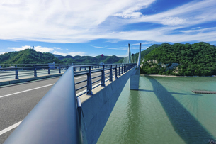 瀬戸内海の日生湾に架かる「備前♡日生大橋」こと「備前日生大橋」の写真素材 [FYI04767730]